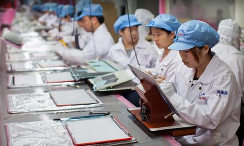 Foxconn hứa giảm giờ làm và tăng lương cho công nhân