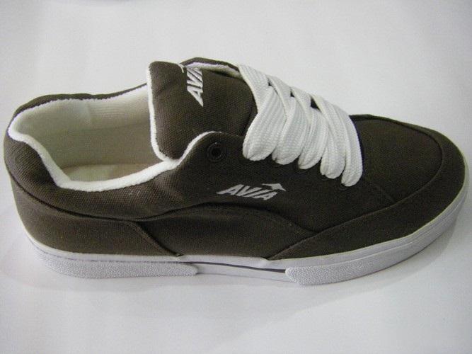 Giày vải AVIA màu nâu