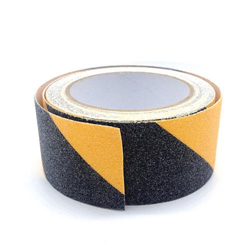 Cuộn băng dính dán sàn chống trơn trượt vàng đen 30m