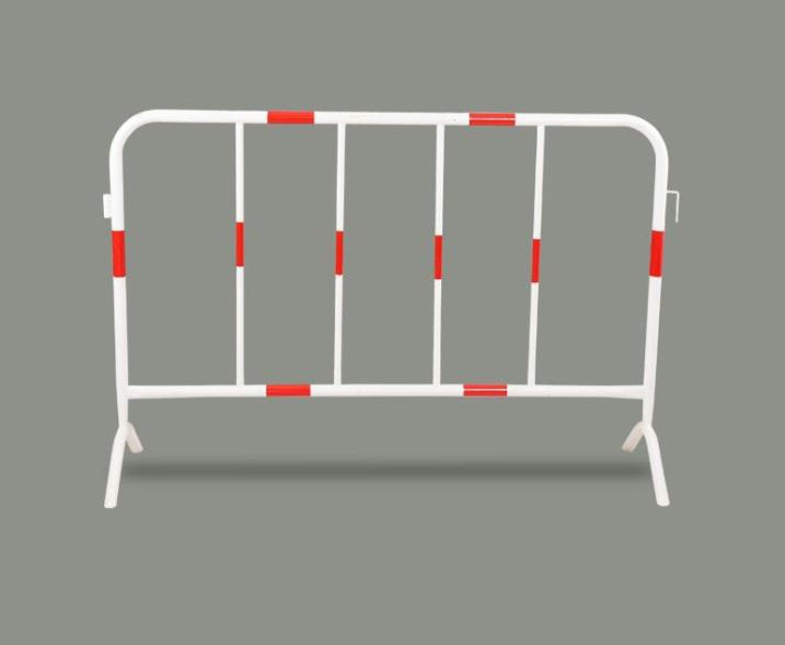 Hàng rào di động thép không gỉ 1mx1m5 màu trắng đỏ