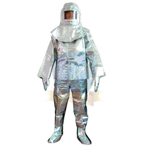 Vai trò quan trọng của bộ quần áo chịu nhiệt trong công việc lao động ở môi trường lao động ở nhiệt độ cao